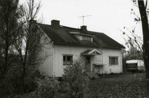 28_Kampaaja Einistön talo_325_135