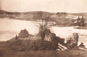Pyhän Birgitan kirkon rauniot kirkonkylällä